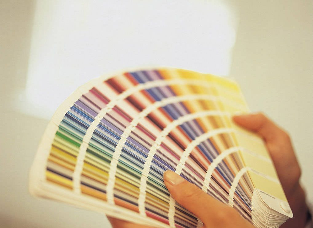 choosing the right home decor colour